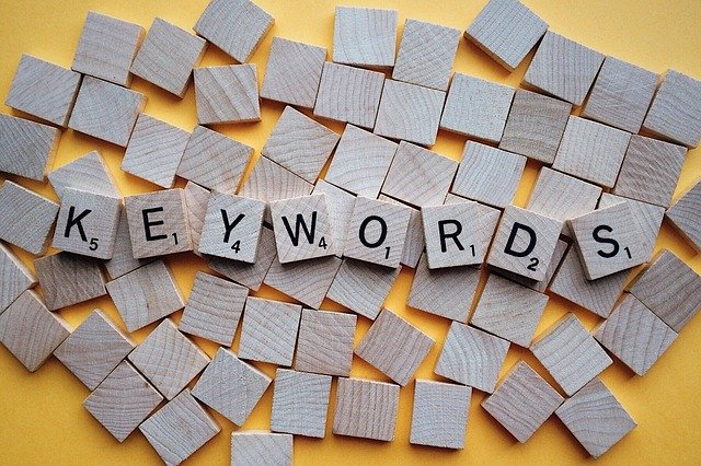 analyzing competitors keywords
